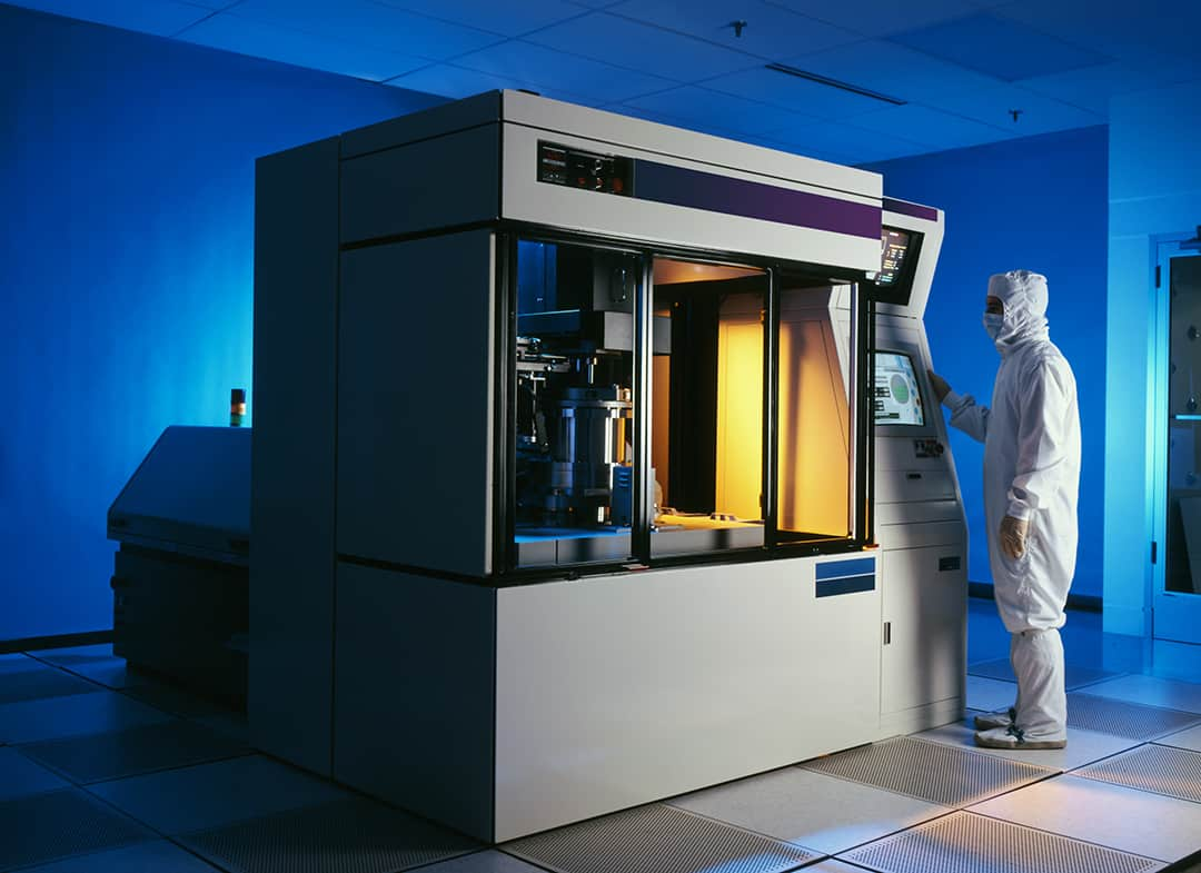 Semiconductor wafer etching clean room